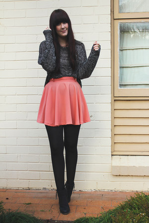 coral skater skirt Mink Pink skirt - black zip detailed Therapy boots