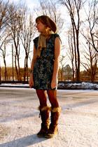 dark brown boots - teal dress - beige hat