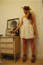 white H&M Garden dress - beige Burberry Prorsum shoes