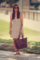 Wardrobe bag - H&M dress - rayban sunglasses - Mango sandals