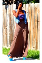 maroon top - light brown skirt - turquoise blue heels