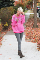 Victoria Secret Pink leggings - brown Urban Outfitters boots