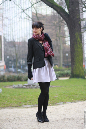 black La Redoute blazer - black H&amp;M shoes - white American Apparel skirt