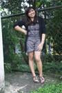 Charcoal-gray-primadonna-romper-gray-parisian-sandals-black-forever-21-cardi