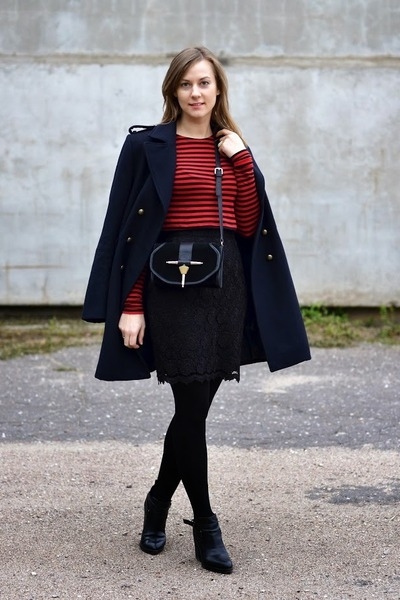 black reserved shoes - navy H&M coat - black Zara bag - crimson Zara top