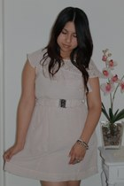 light pink dress - black ring