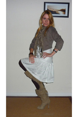 beige slouchy boots - white striped Womens secret dress - dark khaki military se