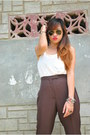 Ivory-tank-top-d-g-top-black-aviator-ray-ban-sunglasses