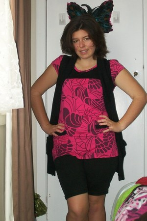 black Jay Jays shorts - black Glassons cardigan - pink and black unknown t-shirt