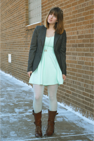 gold modcloth hair accessory - brown boots - aquamarine PacSun dress