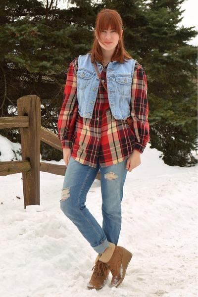 blue boyfriend Aeropostale jeans - dark brown thrifted boots
