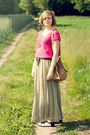 Olive-green-sh-skirt-hot-pink-kappahl-t-shirt