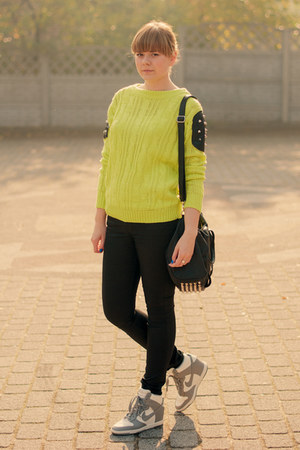 chartreuse ROYAL MNT sweatshirt - black H&amp;M pants - silver nike sneakers