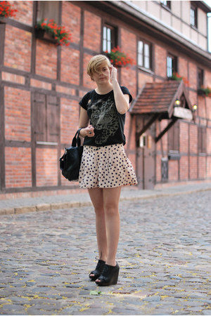 black Mizensa bag - neutral H&amp;M shorts - dark gray Atmosphere wedges - black lin