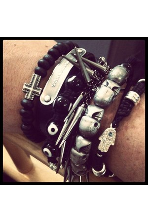 Marc by Marc Jacobs bracelet - cross Eva Lottie bracelet
