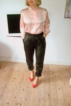 Secondhand shirt - Leather Secondhand pants - Secondhand shoes