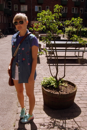second hand vest - Levis shorts - adidas shoes - Topshop accessories