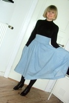 blue H&M trned skirt - black lace up bootie vintage boots - black leggings