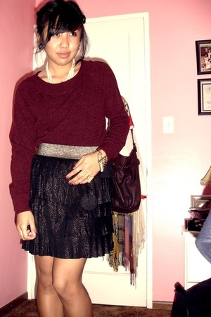 black Forever 21 skirt - red sweater - gold accessories - beige shoes