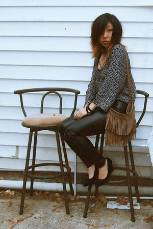 camel fringe brandy melville bag - black leather wilfred pants