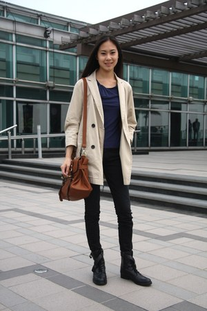 black Via Spiga boots - beige trench alexander wang for gap coat - black 7 for a