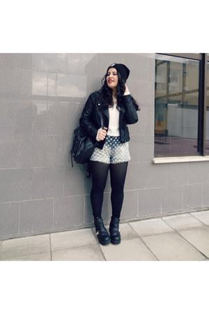River Island boots - Zara shorts