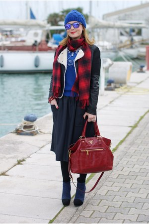 blue Love Moschino sweater - black icone boots - red H&M scarf