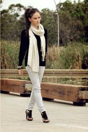 beige Valley Girl scarf - black Varsavia shoes - Valley Girl jeans
