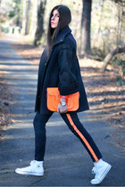 Hudson jeans - cambridge leather satchel bag - UniQUEEN cape - Converse sneakers