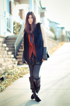 vintage dress Gucci boots - American Eagle tights - Society of Les vest - H&amp;M gl