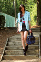 black tote chocolate boots - blue vintage blazer