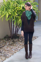black danskin leggings - black Newport News top - Italian Leather boots - green