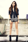 Black-choies-boots-black-xiquita-bakana-shorts