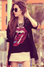 Black-juliana-silveira-blazer-black-liverpool-t-shirt