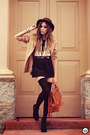 Black-antix-dress-dark-brown-romwe-hat-brown-kafé-acessórios-bracelet