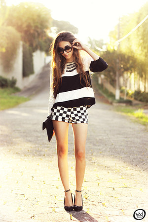 black Sheinside top - romwe shorts