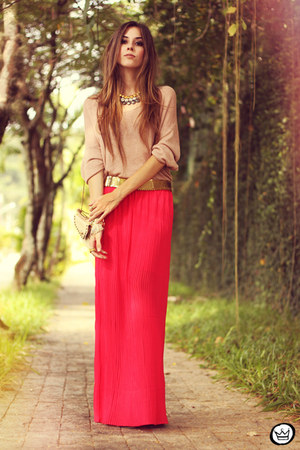 hot pink pleated Furor skirt - peach ClubCouture top