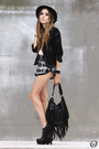 Black-fringe-zara-bag-ivory-labellamafia-shirt