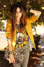 Mustard-charry-blazer-army-green-2dayslook-t-shirt