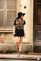 black Dafiti t-shirt
