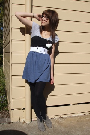 cotton on t-shirt - ICE top - Ebay belt - handmade skirt