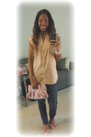 oversized top Forever 21 shirt - skinny Levis jeans - knit striped Mandee bag
