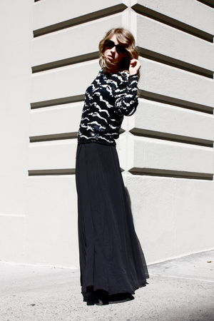 vintage sequin top - H&amp;M Maxi skirt - vintage sunglasses