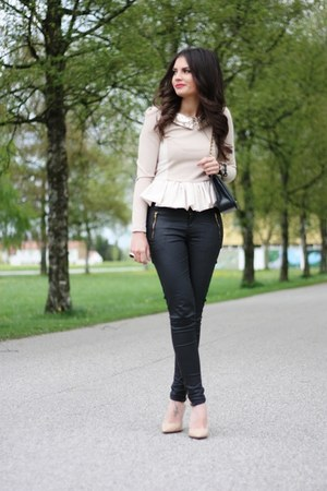 black Oasis jeans - neutral romwe shirt - black Chanel bag - nude Buffalo pumps