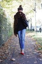 red Via Uno heels - blue H&M jeans - black H&M sweater