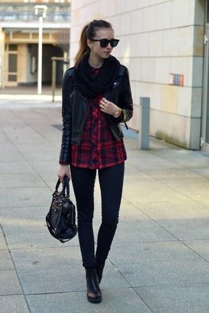 black vagabond boots - black Topshop jeans - black Sheinside jacket