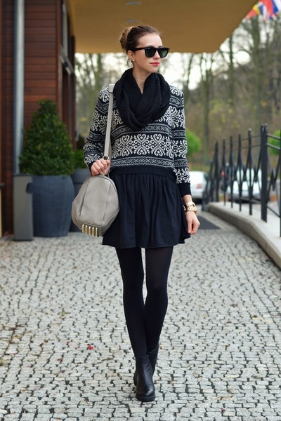 black vagabond boots - black Chicwish sweater - black H&M tights