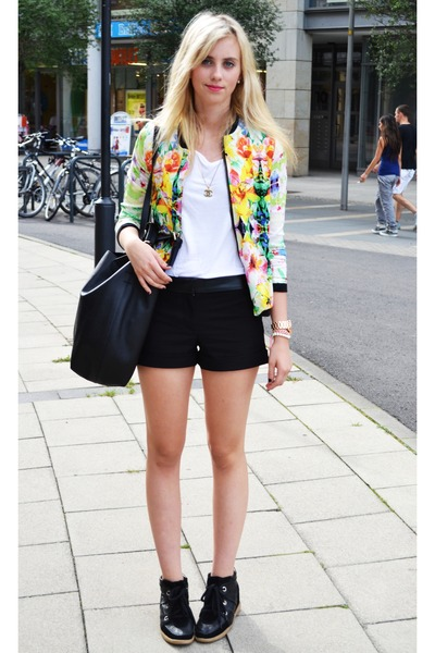 Black-romwe-shoes-white-floral-sheinside-jacket_400