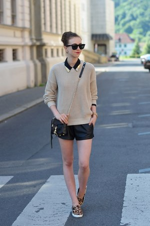 black Rebecca Minkoff bag - beige American Apparel sweater