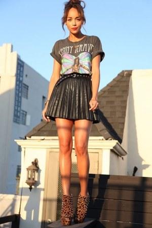 tawny Forever 21 heels - black Topshop skirt - heather gray jennyfer tie